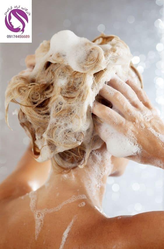 شستن مو با آب داغ